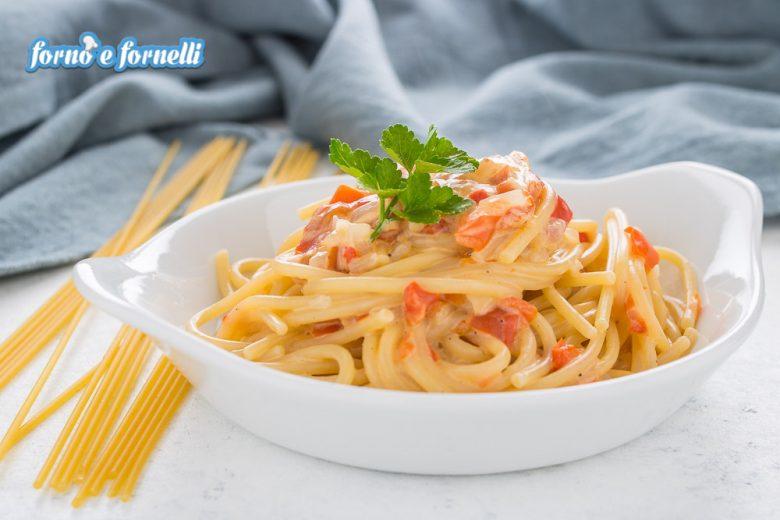 Pasta con peperoni cremosa