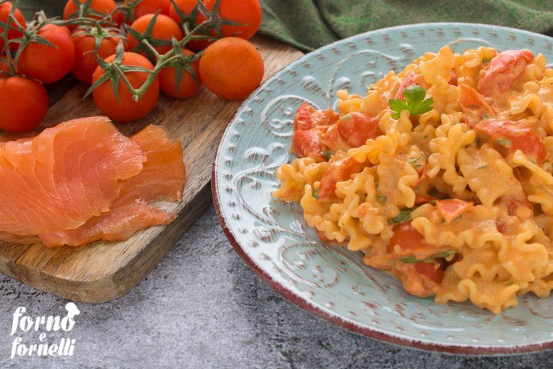 Pasta salmone e pomodorini