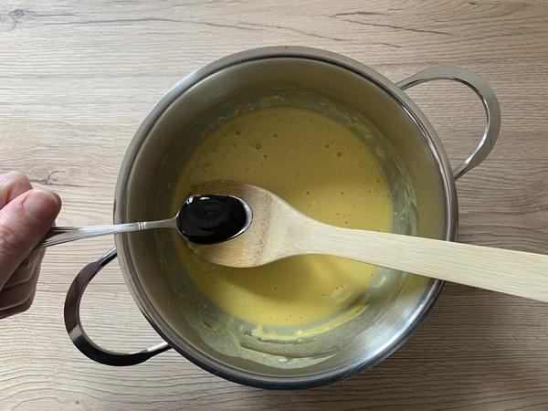 crema pasticcera con un uovo passo passo