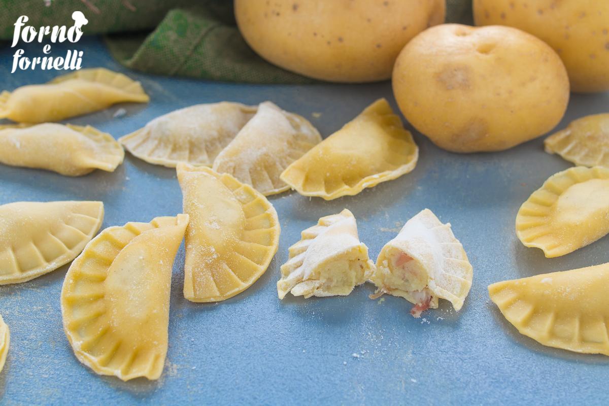 ravioli ripieni di patate e speck