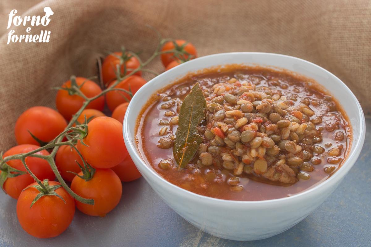 zuppa di farro e lenticchie e legumi