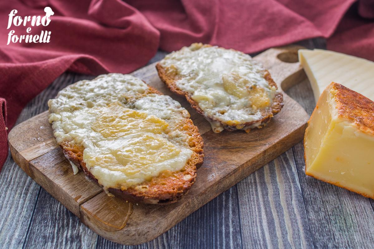crostoni ai formaggi