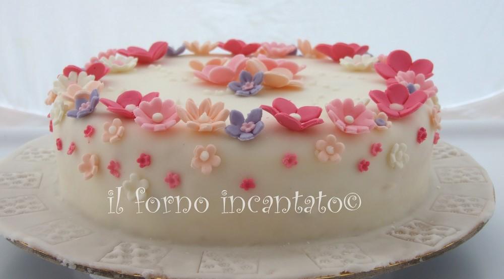 torta fiori in pasta di zucchero