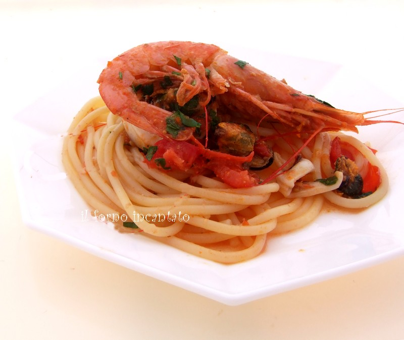 spaghetti misto pesce