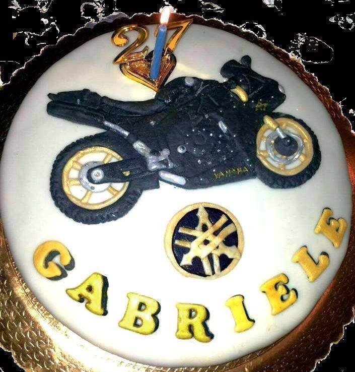torta moto yamaha2