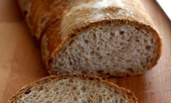 Pane con farina integrale e lievito madre