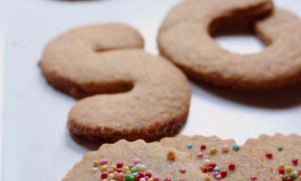 Biscotti farro nocciole e cardamomo