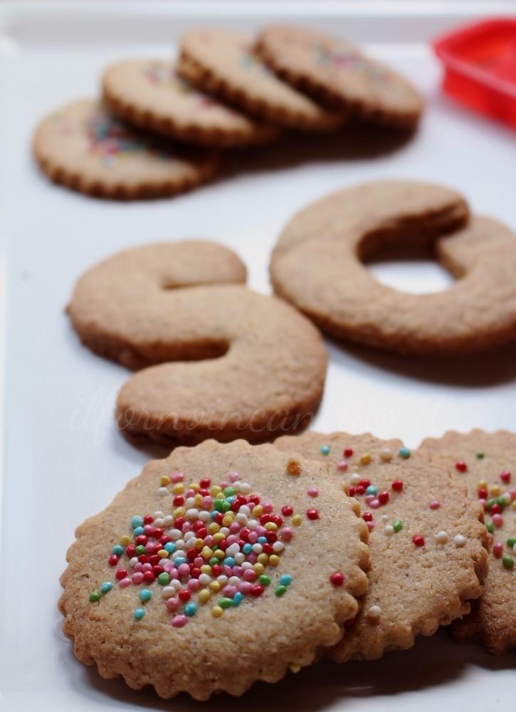 biscotti-nocciole-farro-cardamomo