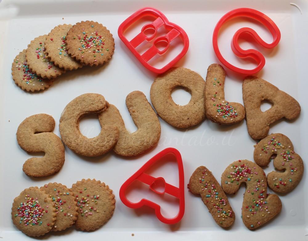 biscotti-nocciole-farro-e-cardamomo