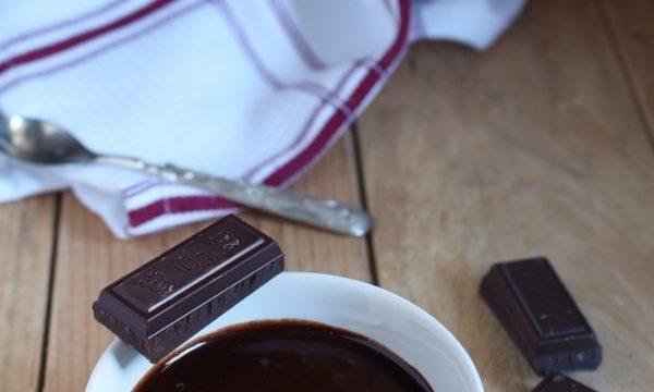 Glassa al cioccolato senza lattosio
