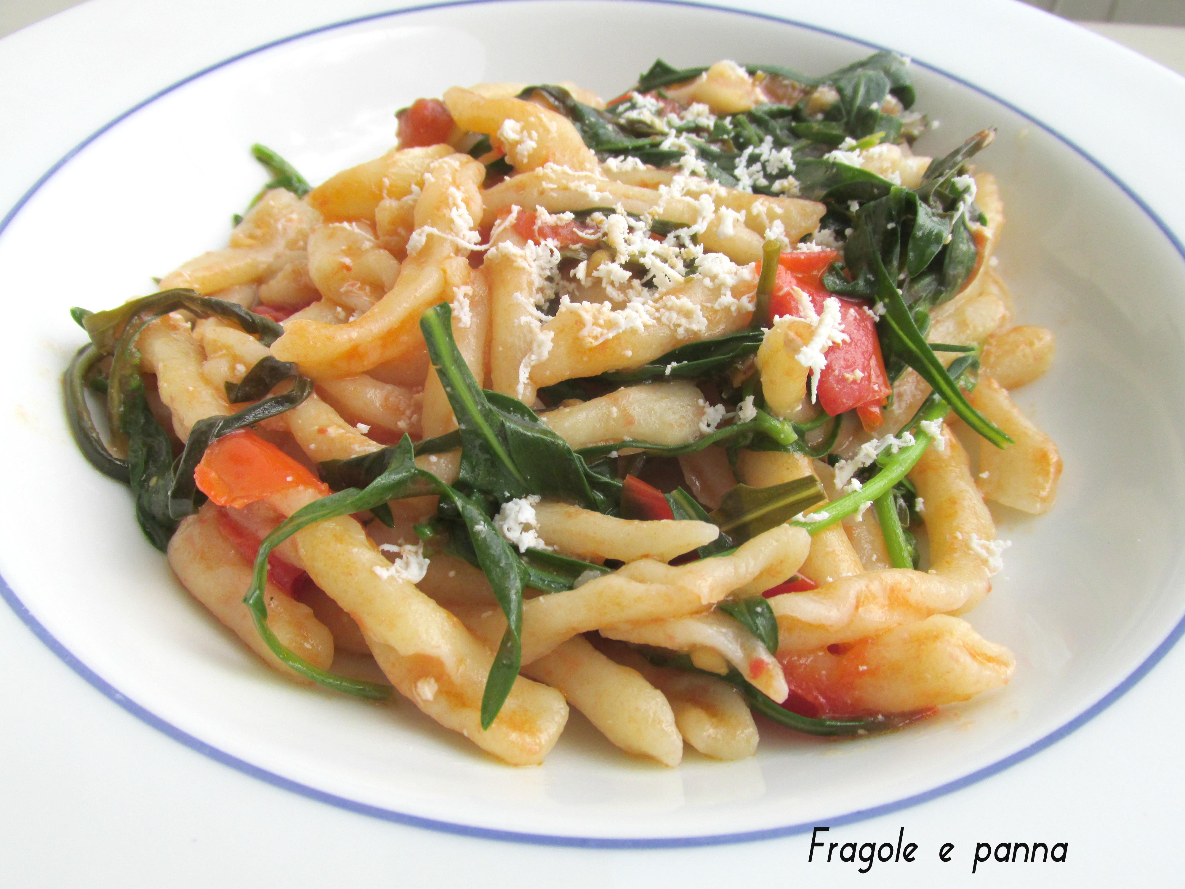 pasta fresca con rughetta e pomodorini