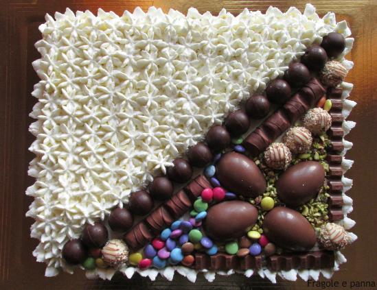 Torta di compleanno con cioccolate by fragole e panna - Colorazione pagina della torta di compleanno ...