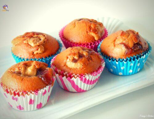 Muffin con farina integrale alla marmellata di fragole e burro di arachidi