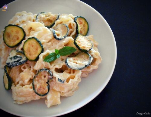 Reginette con zucchine ricotta e menta – Ricetta pugliese