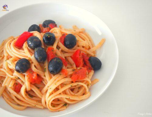 Pasta con il sugo alle olive
