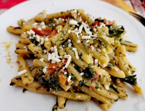 Casarecce con sanapuni (sanapo) e ricotta (fresca e salata)