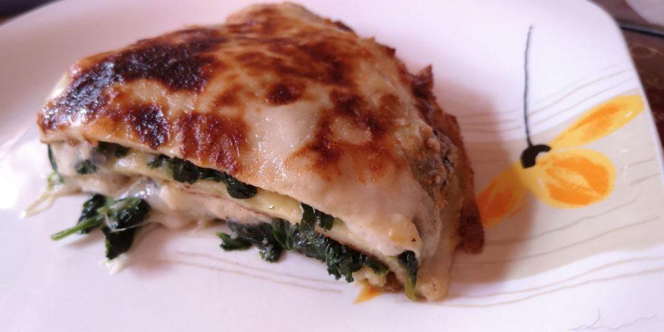 crepes con spinaci, besciamella e provola