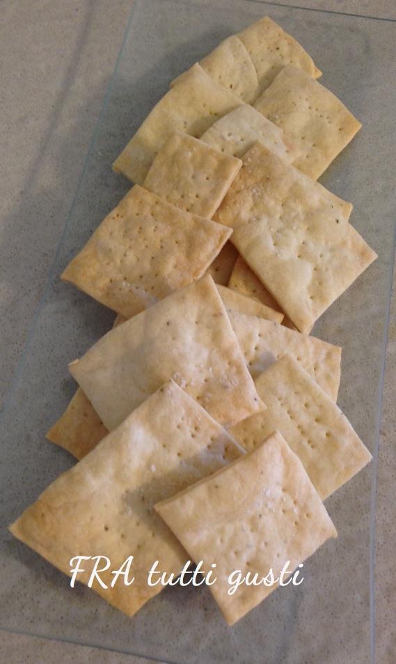 Crackers senza burro e senza lievito