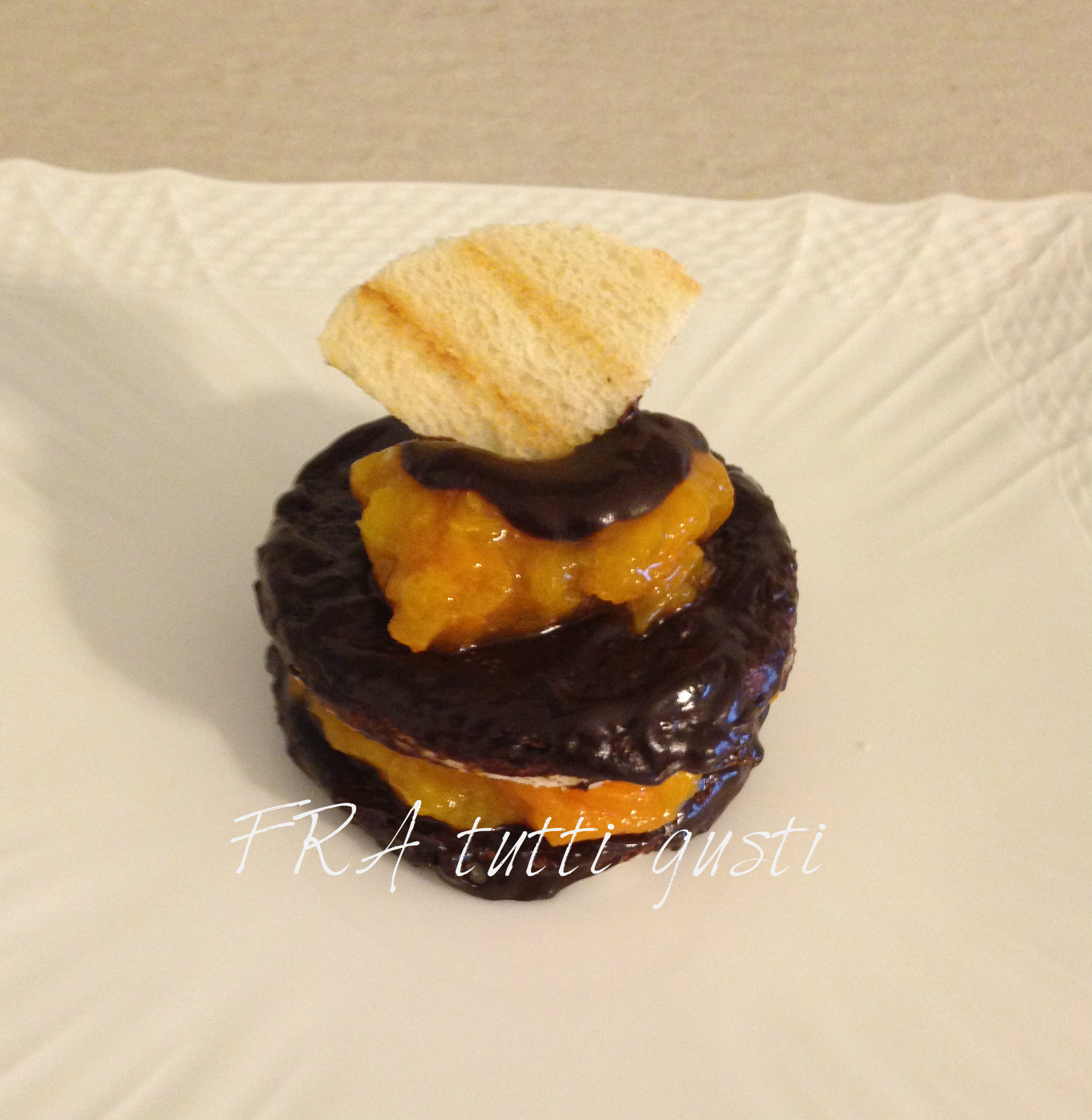 Dolce veloce con pancarrè cioccolato e albicocche