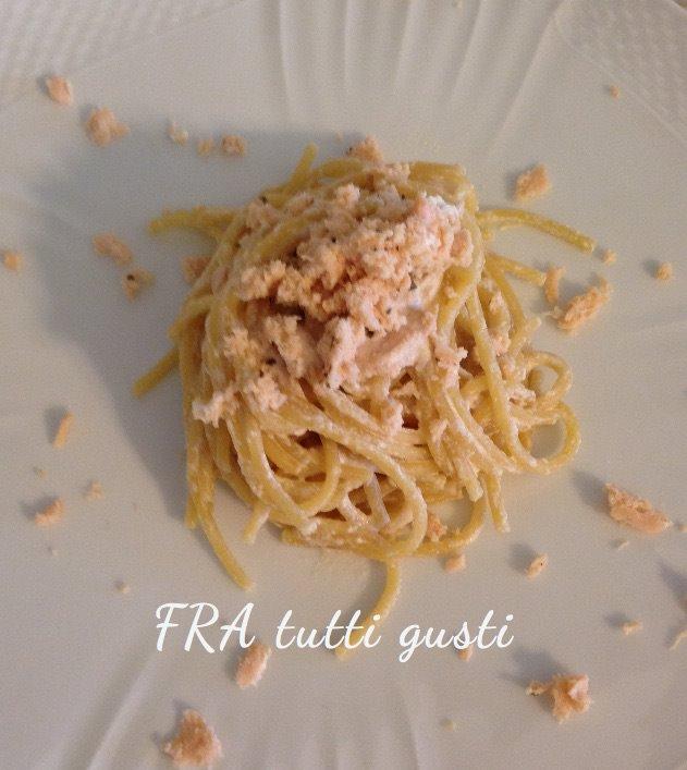Spaghetti con panna birra e salmone
