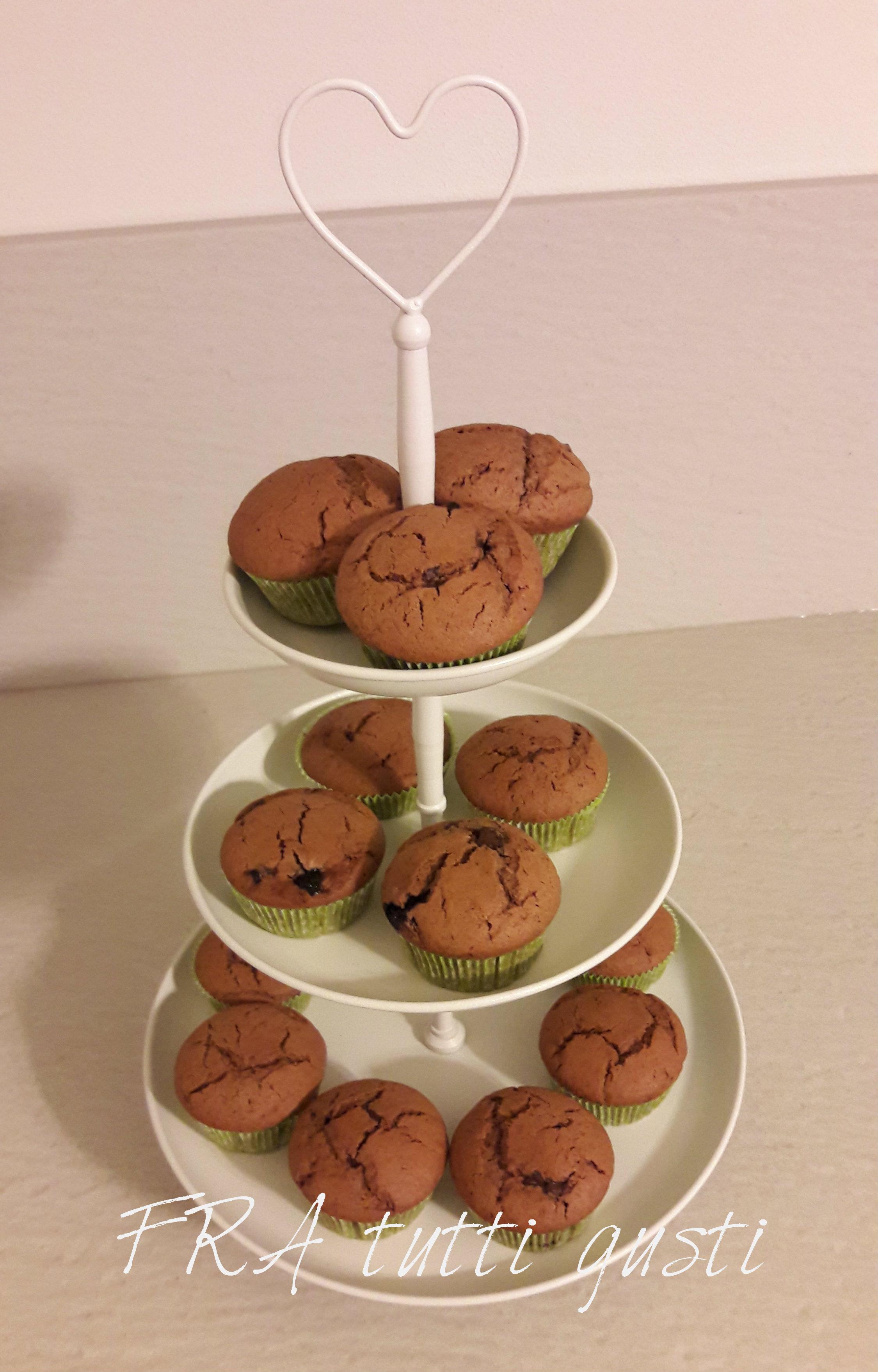 Muffin al cioccolato ripieni di marmellata