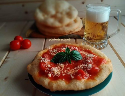 Pizza fritta – leggera, gustosa, fragrante