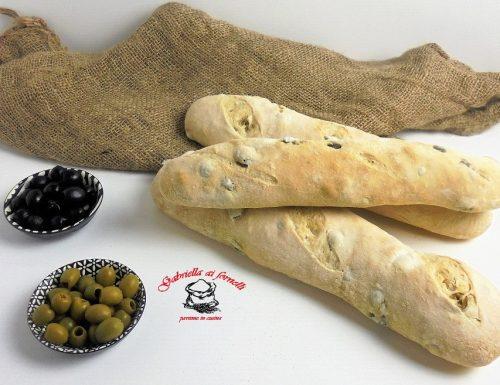 Sfilatini con olive a lievitazione naturale