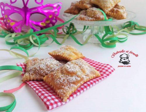 Ravioli dolci con ricotta, zucchero e cannella