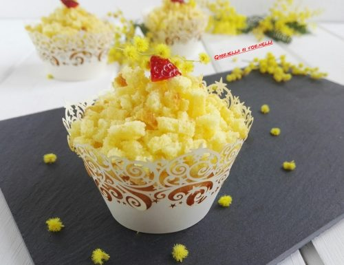 Cupcake mimosa con fragole