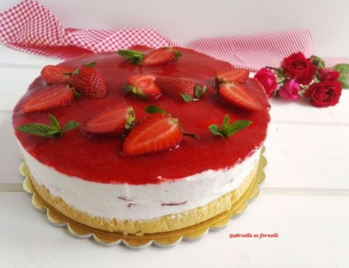 Cheesecake alle fragole con base morbida