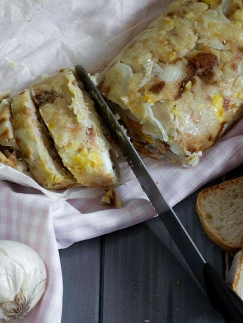 Easy meatloaf of bread – Polpettone di pane farcito.