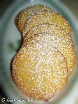 Biscotti di farina di mais al limone 2