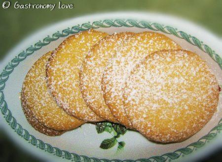 Biscotti croccanti di mais al limone