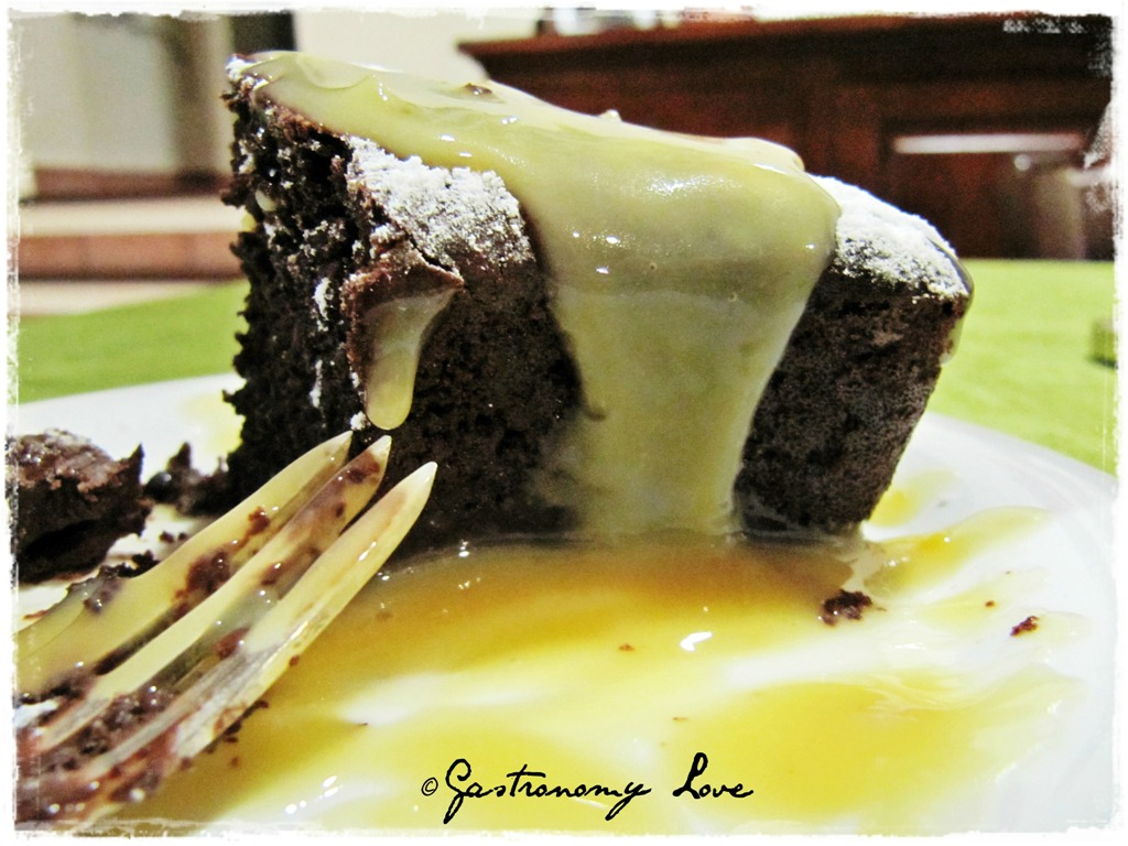 torta al cacao senza uova e senza burro con zabajone ricetta blog cucina giallo zafferano  a pummarola 'ncoppa
