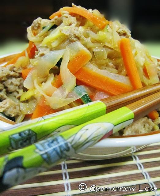 shirataki con carne e verdura