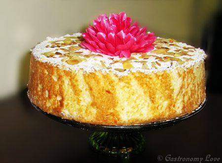 Angel Cake: torta sofficissima a base di albumi.