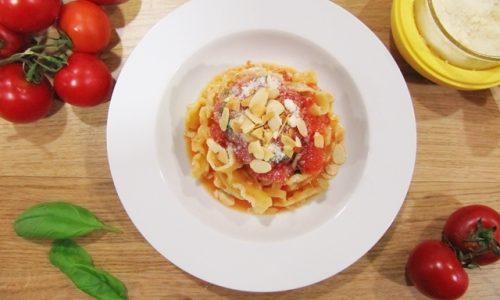 Pasta alla Trapanese: agghiata trapanisa.