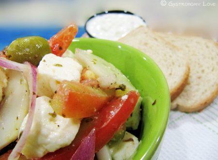 Greek salad: insalata greca