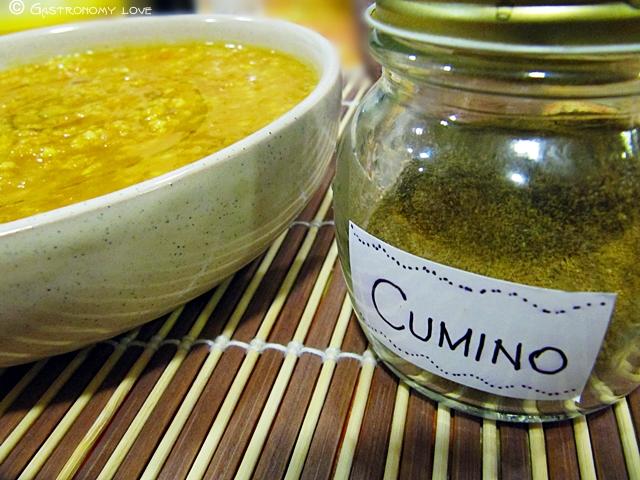 dahl di lenticchie rosse con miglio e zucca