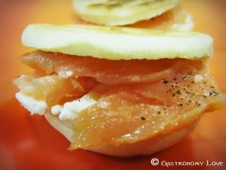 mini piadine panna acida e salmone