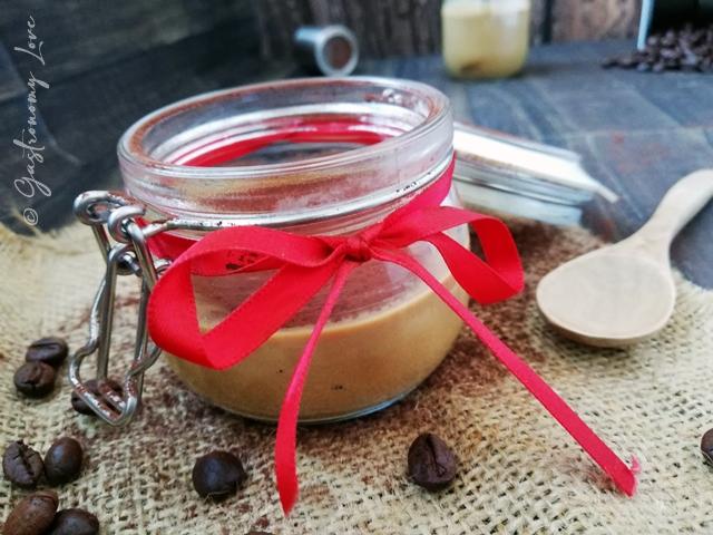 Bicchierini di panna cotta al caffè