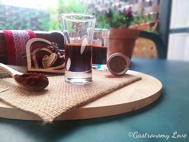 Crema di liquore al cacao fatta in casa