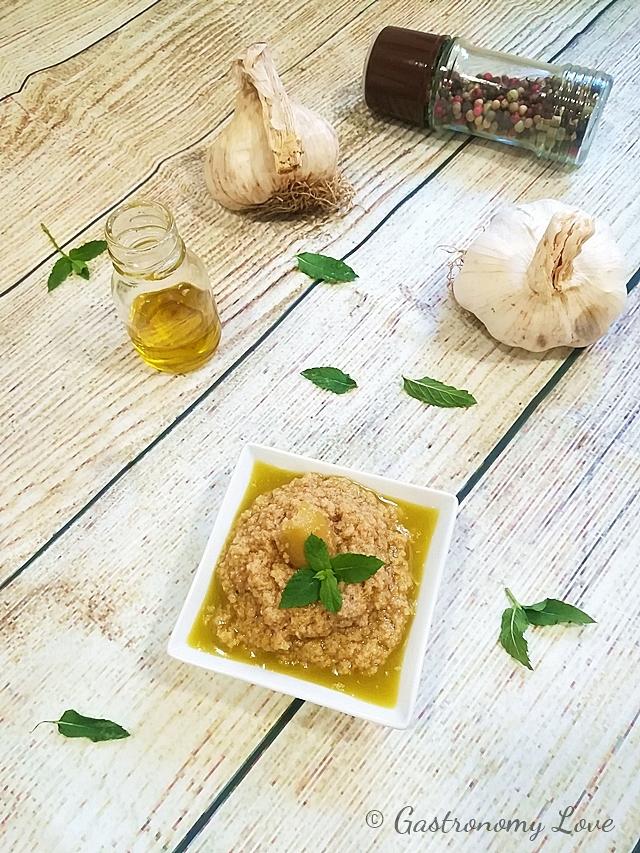 Pesto di olive verdi: ricetta semplice.