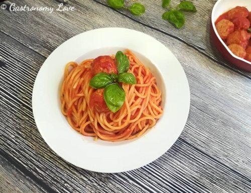 """Spaghetti con le polpette al sugo di """"Lilli e il Vagabondo"""""""