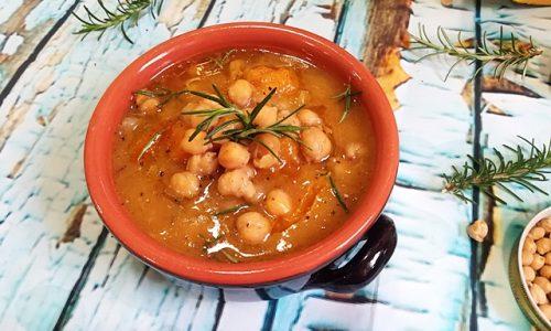 Zuppa di ceci e zucca al rosmarino