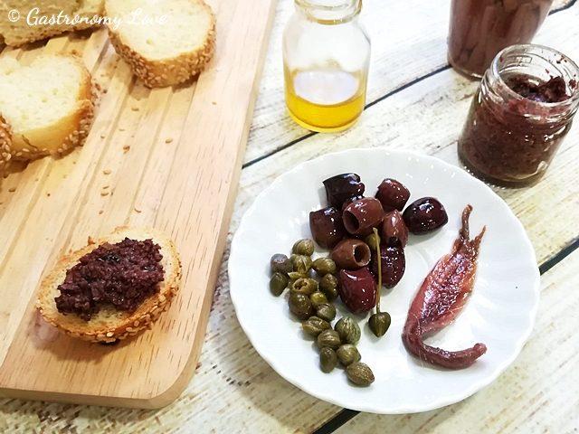 Tapenade: pâté di olive nere alla Provenzale