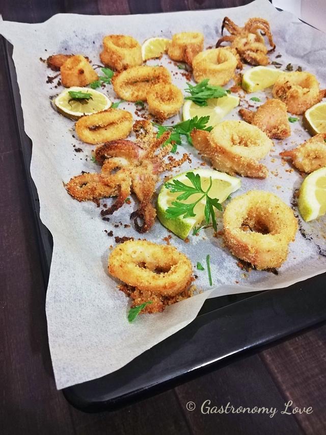 Calamari gratinati al forno veloci e leggeri