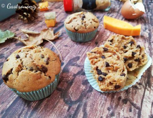 Muffin alla zucca e cannella con gocce di cioccolato