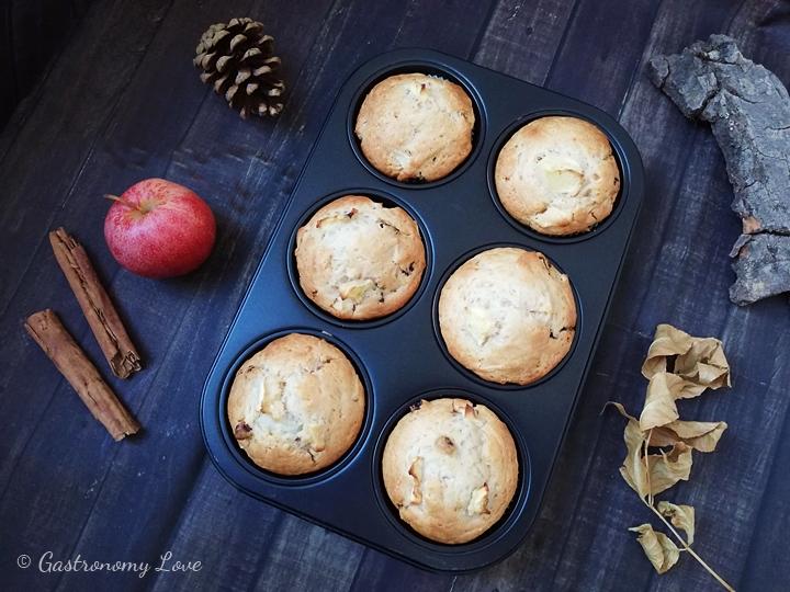 Muffin facili alle mele senza uova e senza burro