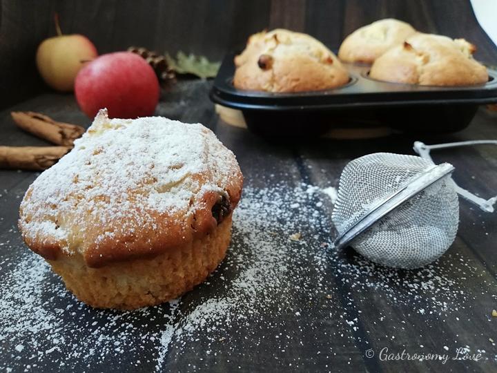 Muffin alle mele e cannella senza uova, senza burro e senza sbattitore